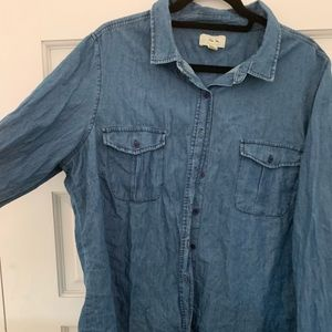 Tops - Perfect denim button up